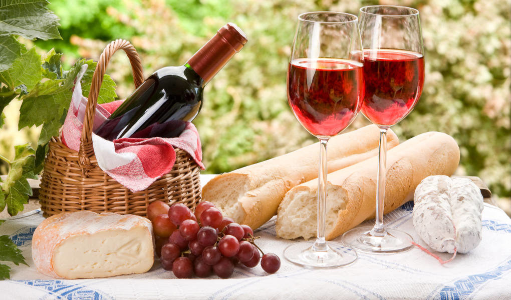 10 Tips for Your Next Wine and Cheese Party – Osceola Cheese